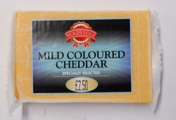 Wolds Edge Mild Coloured Cheddar 290g