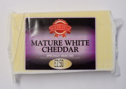 Wolds Edge Mature White Cheddar 290g
